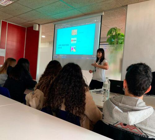 Formación en Canva y Redes Sociales con Lola Digital